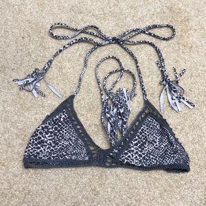 Acacia bikini top